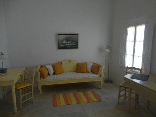 Cori Rigas Suites: Cori Rigas Suite - Living Room