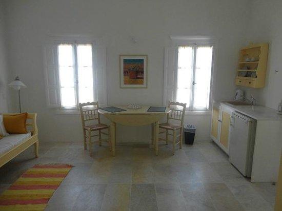 Cori Rigas Suites: Cori Rigas Suite Kitchen