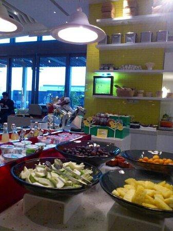 W Taipei: Beautiful breakfast buffet