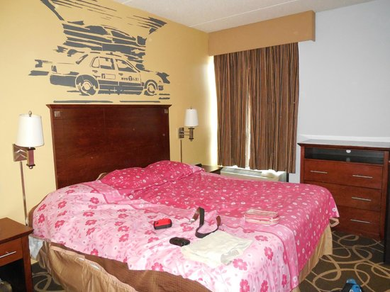 Howard Johnson Inn Queens : Nice clean rooms - although a bit cramped