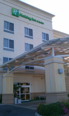 Holiday Inn Hotel & Suites Bakersfield: front