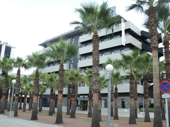 Ibis Budget Sevilla: Hôtel vue de l'extérieur