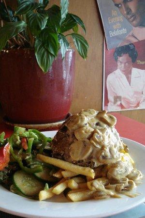 Savoy Cafe Restaurant : Medium Rare Rump Steak (Mushroom Sauce)