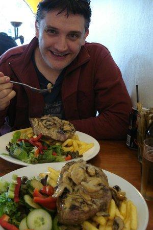Savoy Cafe Restaurant : Absolutely Incredible Rump Steak Dish