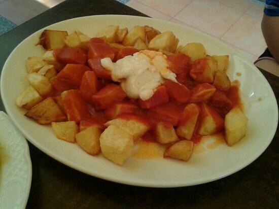 La Mejillonera: patatas bravas