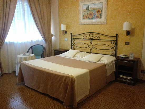 Camera bild von hotel tre stelle montepulciano for Hotel tre stelle barcellona
