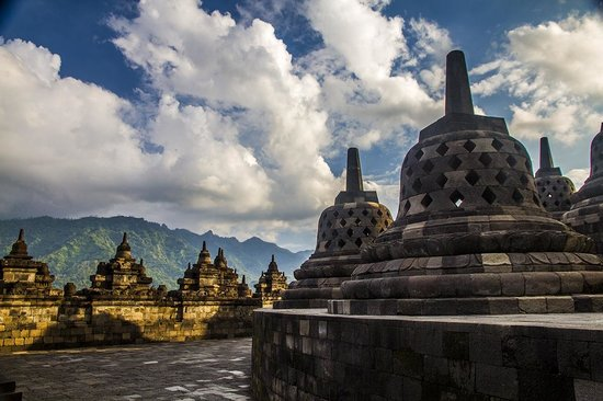 Borobudur Tours & Travel