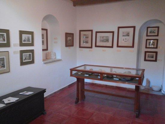 Megaro Gyzi Museum : inside