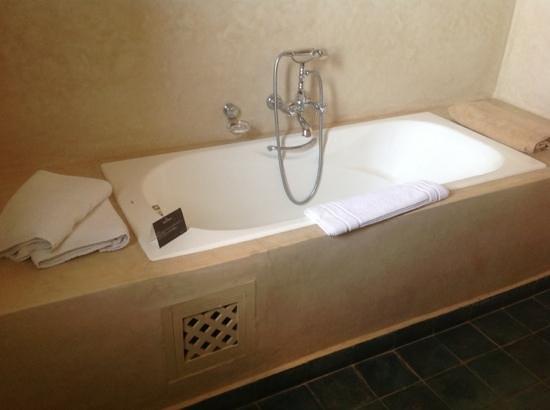 Domaine des Remparts Hotel & Spa : salle de bain