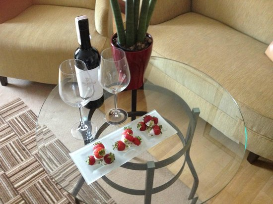 InterContinental Hotel Warsaw: Welcome treat we received from staff