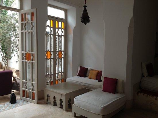 Hotel & Spa Dar Baraka & Karam : Sala donde desayunamos junto al patio