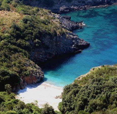Marina di Camerota, Italie : Cala Bianca dall'alto