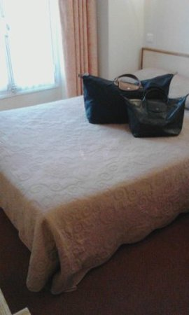 Royal Phare Hotel: ベッド