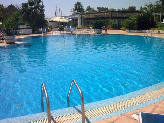 Piscina da 5 stelle picture of hotel santa lucia santa cesarea terme tripadvisor - Piscina sulfurea santa cesarea terme ...