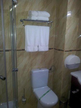 Grand Hotel Orient: Bath2
