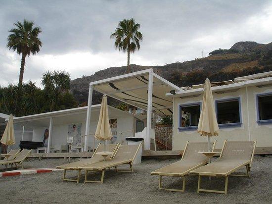 Caparena Hotel : Вход на пляж.