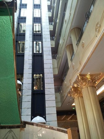 Grand Excelsior Hotel: Lobby