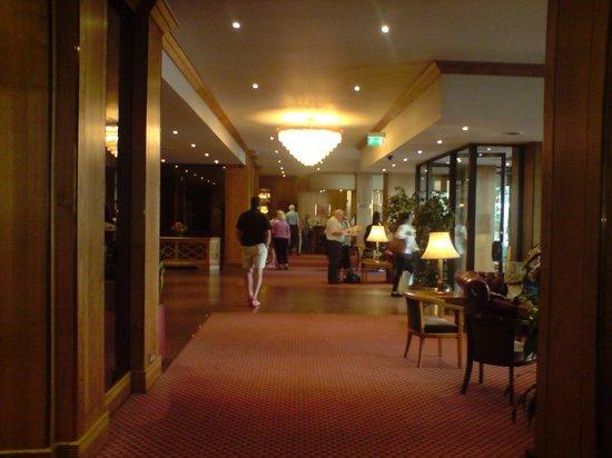 President Hotel: Entrance