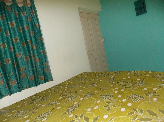 Hotel Santiniketan : Ground floor room