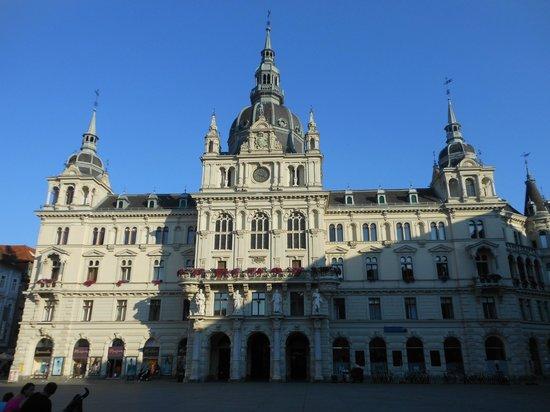 Rathaus : Municipio