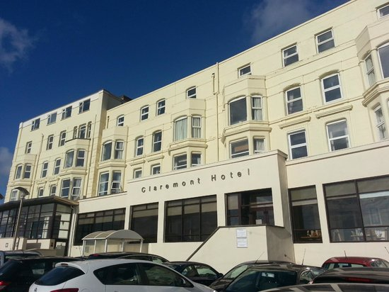 Cramped toilet - Picture of Claremont Hotel, Blackpool - TripAdvisor