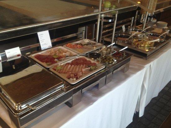 Hotel Marina Lachen: Breakfast selection