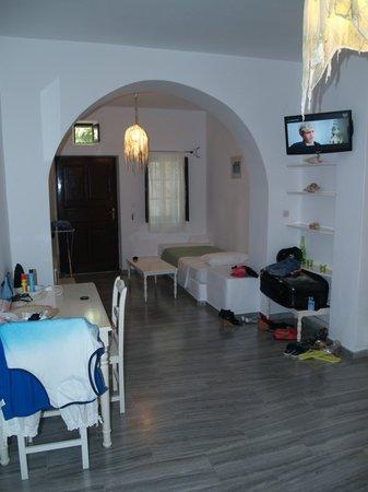 Chambre type 20 3 personnes photo de bellonias villas for Chambre 3 personnes