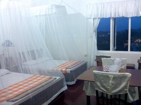 Hotel Amaara Lake: Rooms