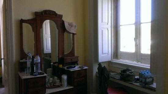 Casa Grande: The yellow room