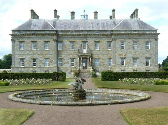 Kinross House Gardens: Kinrosshouse  Hinterfront