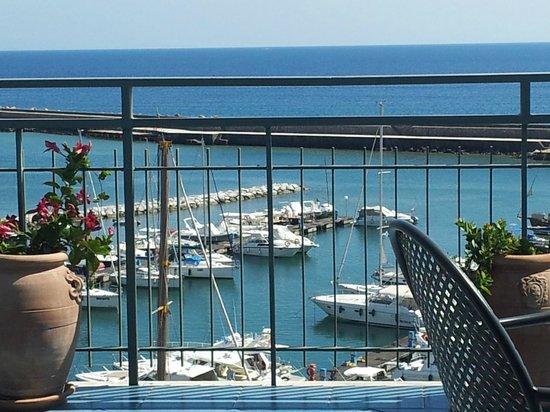 Hotel la Scogliera: panorama sala da pranzo