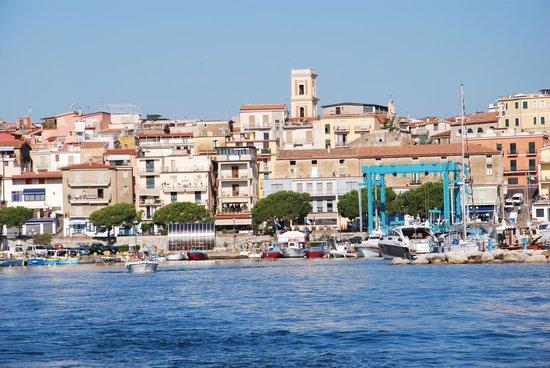 Hotel la Scogliera: panorama Marina di Camerota