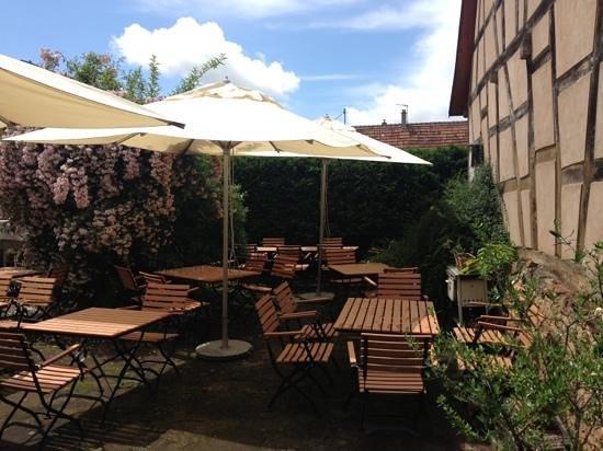Restaurant a la couronne d'or : terrasse d'été