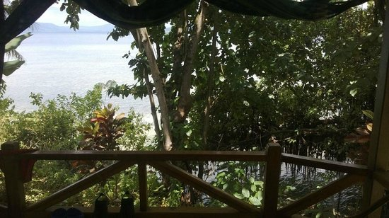 Bunaken Divers - Sea Breeze Dive Resort : cottage BF 10 - Beach Front