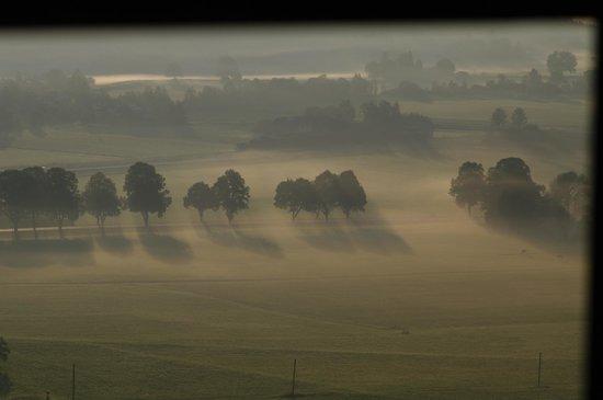 Hoelbinger Alm: Vista all'alba della finestra del salone 2 piano