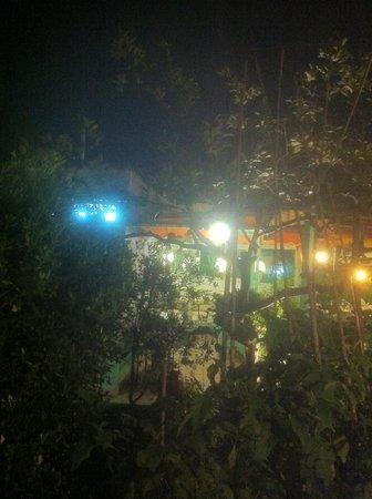 Hotel Ristorante La Rondinella Baia di Sorgeto: der Garten