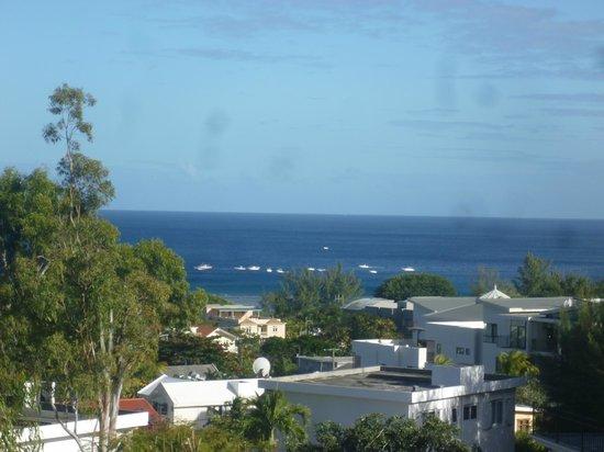 Terre et Mer Studios - Mauritius: Vue sur l'océan Indien depuis le balcon du studio Le Marlin Bleu