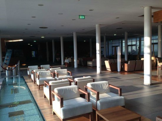 Therme Laa - Hotel & Spa : Lobby - 14-16 Uhr Suppe