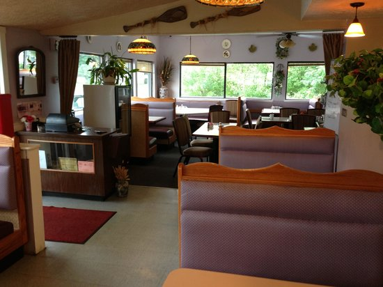Lakeville Family Restaurant : Remodeled dining area