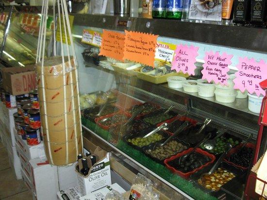 Piccolo Italian Market & Deli: Best Italian Deli