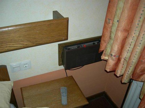 Hotel du Commerce : Radio ????