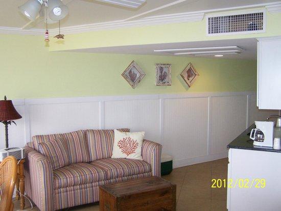 Oceanfront Litchfield Inn: Sitting area