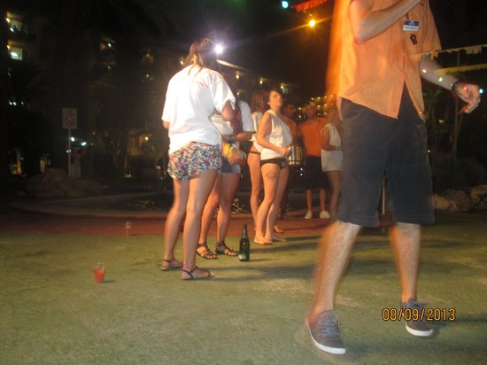 BCM Hotel: Wet tshirt competition