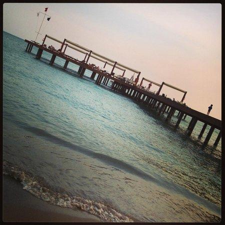 Gloria Verde Resort: Beach at dusk