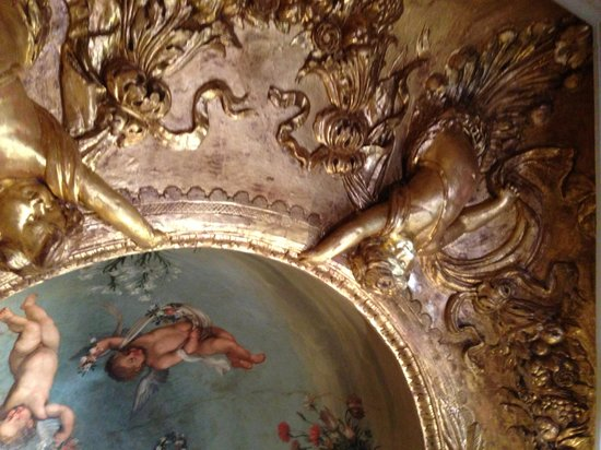 Musee du Vieil Aix: Another view of the ceiling