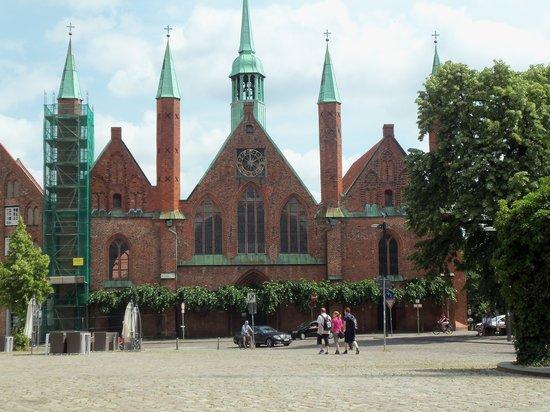 Lübeck, Deutschland: Frente de Heiligen-Geist-Hospital