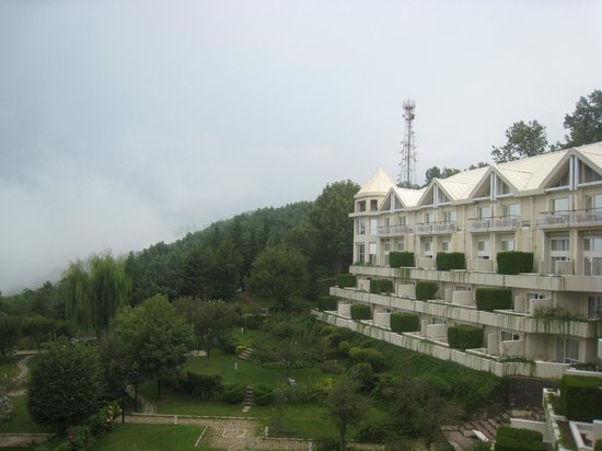 Pearl Continental Hotel Bhurban : A view from the Terrace