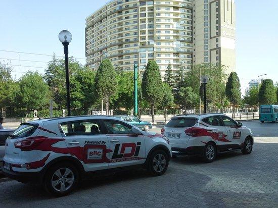 Ozkaymak Konya Hotel : Hotel önü park