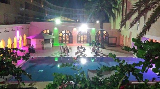 TUI SENSIMAR Scheherazade: courtyard