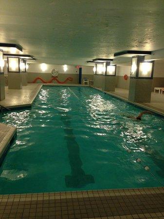 Delta Hotels By Marriott Montreal Indoor Pool